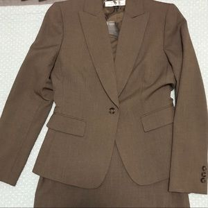 Tahari skirt & pant suit